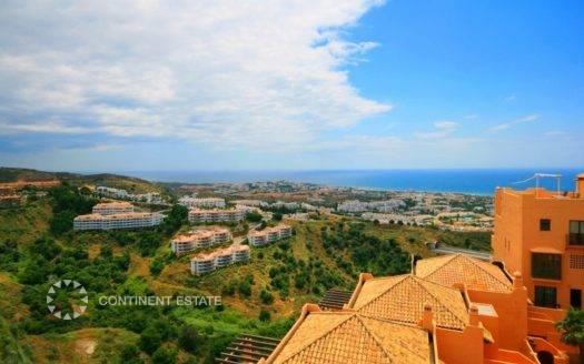 Квартира с видом на море на продажу в Испании (Коста-дель-Соль, Михас — Calahonda)