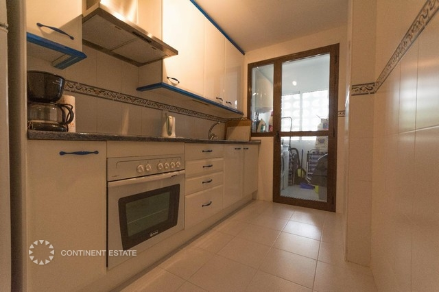 Кухня и подсобное помещение