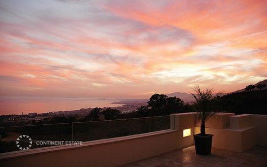 Двухэтажный пентхаус на продажу в Испании (Коста-дель-Соль — Los Monteros Alto)