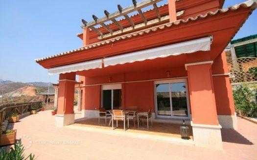 Вилла на продажу в Испании (Коста-дель-Соль — Santa Clara Golf Marbella)