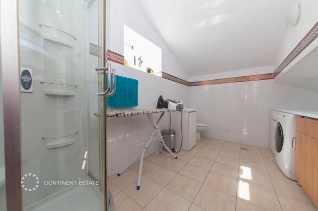 Прачечная / Верхняя ванная комната