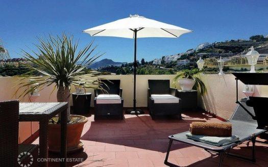 Двухэтажный пентхаус на продажу в Испании (Коста-дель-Соль — La Quinta Golf)