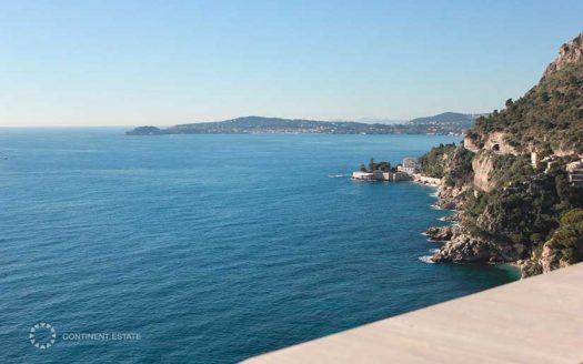 Вилла рядом с морем в престижном районе на продажу во Франции (Лазурный Берег — Cap-d'Ail)