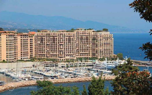 Двухэтажная квартира рядом с морем на продажу во Франции (Лазурный Берег — Cap-d'Ail)