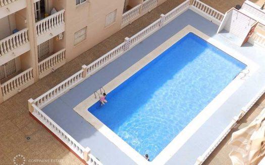 Трехкомнатная квартира в аренду в Испании (Коста Бланка — Torrevija, Центр города)