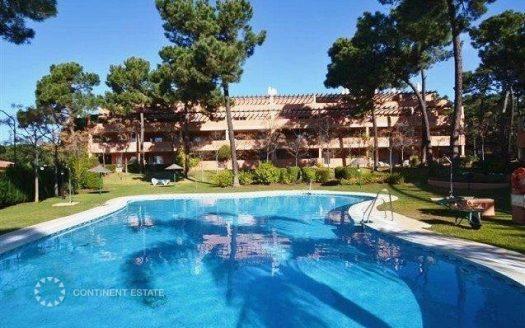 Комфортный апартамент с видом на бассейн в аренду в Испании (Коста-дель-Соль — Marbella)