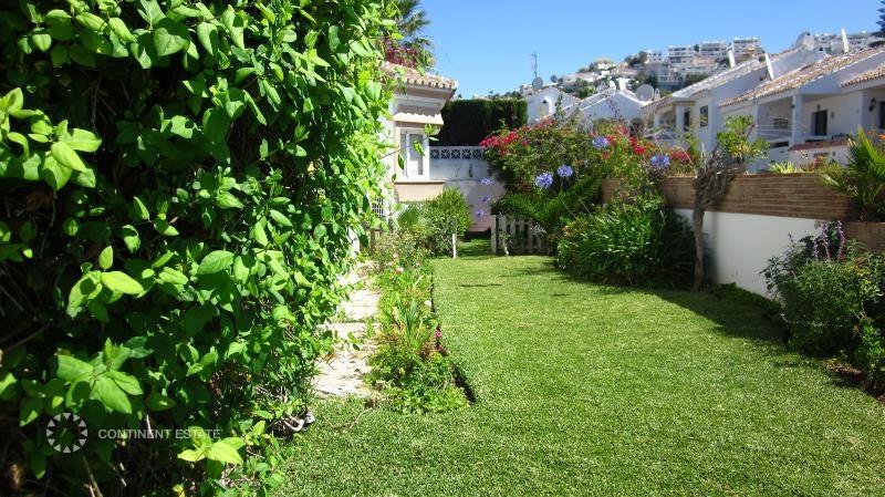 Двор и сад
