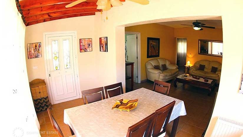 Вилла в тихом районе в аренду в Испании (Коста Бланка — Calpe)