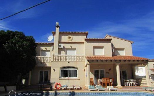 Вилла недалеко от моря на продажу в Испании (Коста Бланка — Benissa)