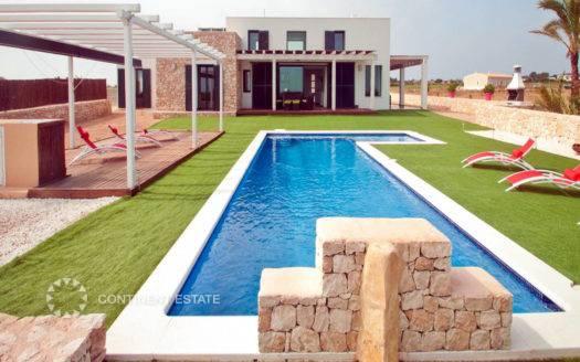 Современная элитная вилла в аренду в Испании (Балеарские острова, Остров Форментера — Formentera)