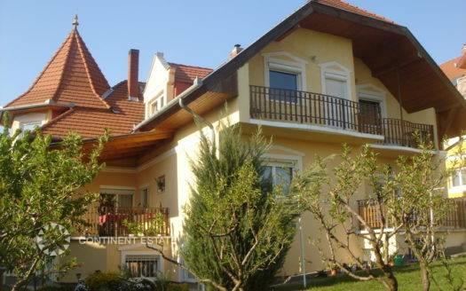 Большой дом на продажу в Венгрии (Западная Трансданубия, курорт Хевиз — Heviz)