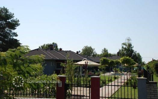 Дома недалеко от озера на продажу в Венгрии (Южная Трансданубия, Балатонфеньвеш — Balatonfenyves)
