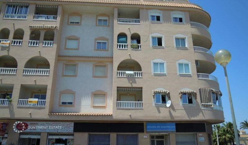 Квартира рядом с пляжем на продажу в Испании (Побережье Коста Бланка — Торревьеха — Torrevieja)