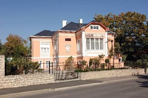 Дома на продажу за рубежом купить квартиру шарджа оаэ