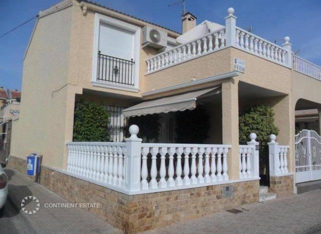 Квартира близко к пляжу на продажу в Испании ( — Побережье Коста Бланка — Торревьеха — Torrevieja)