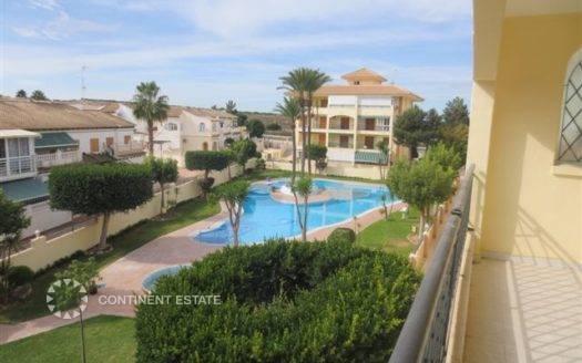 Двухкомнатная квартира недалеко от моря на продажу в Испании (Побережье Коста Бланка — Торревьеха)