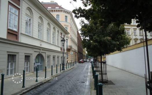 Апартамент на продажу в Венгрии (Центральная Венгрия — Пешт — Будапешт, 5-й район)