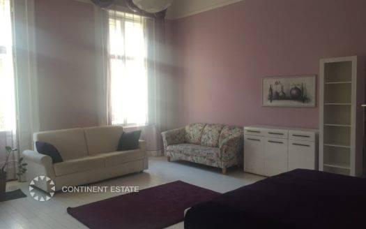Трехкомнатная квартира на продажу в Венгрии (Центральная Венгрия — Пешт — Будапешт, 6-й район)