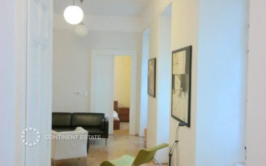 Трехкомнатная квартира на продажу в Венгрии (Центральная Венгрия — Пешт — Будапешт, 5-й район)