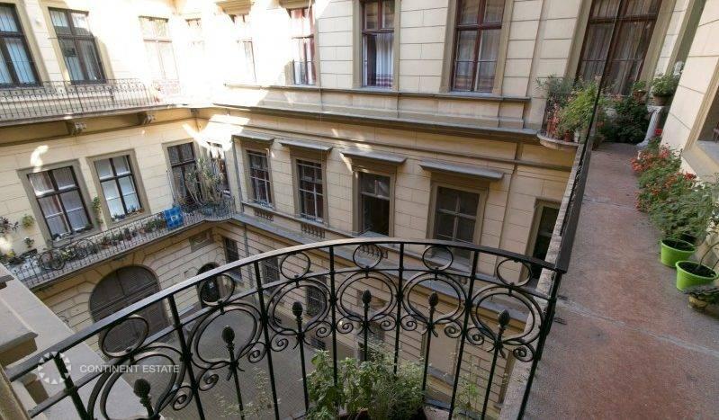 Двухкомнатная квартира на продажу в Венгрии (Центральная Венгрия — Пешт — Будапешт, 5-й район)