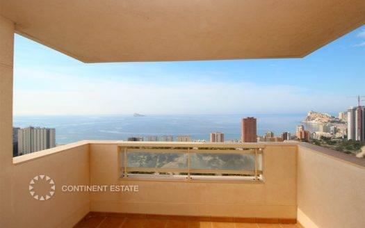Апартамент с видом на город и море на продажу в Испании (Коста Бланка, Бенидорм — Benidorm)