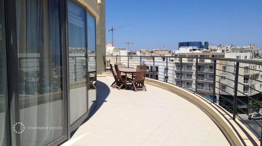 Пентхаус недалеко от моря на продажу на Мальте (Центральный регион — Saint Julian's)