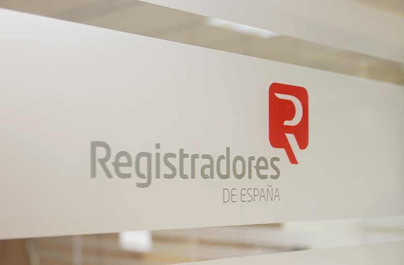 Оформление прав собственности на недвижимость в Испании
