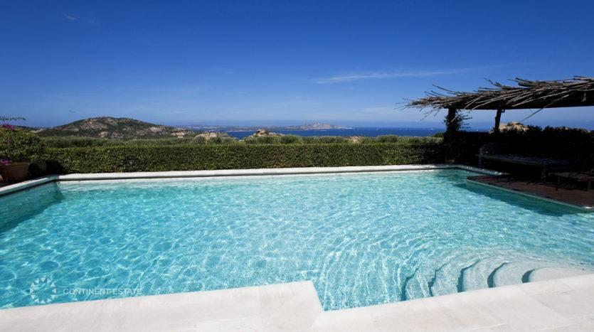 Вилла на продажу в Италии (остров Сардиния, Ольбия-Темпио — Porto Cervo)