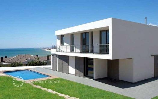 Дом рядом с морем на продажу в Испании (Коста-дель-Маресме, Барселона — Arenys de Mar)