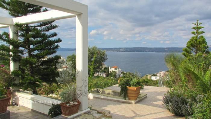Дом близко к морю на продажу в Греции (остров Крит, Ханья — Almirida)