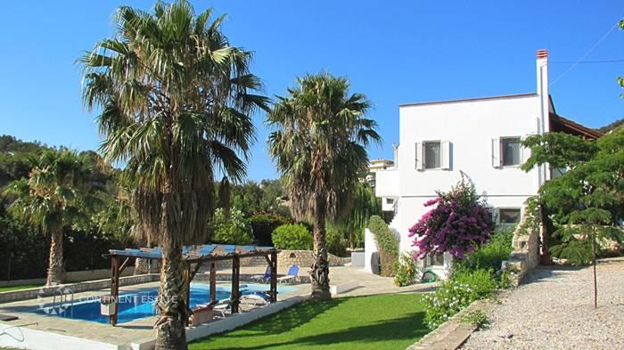 Вилла близко к морю на продажу в Греции (остров Крит, Ханья — Almirida)